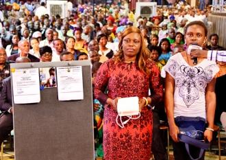 mrs-james-and-daughter-gods-gift-gods-gift-of-healing-breathing-machine-testimony--10