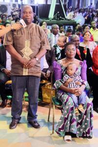 Señor ThankGod Eribo y familia