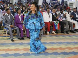 La señora Ene caminando en la luz de su testimonio